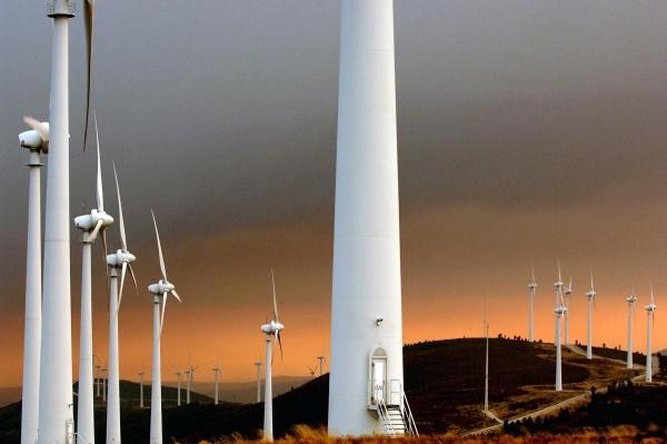 http://www.evwind.es/wp-content/uploads/2012/07/EDP-Renovaveis.jpg