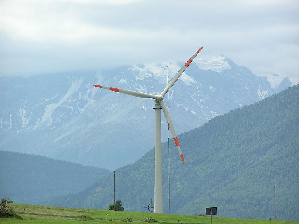 http://www.evwind.es/wp-content/uploads/2013/01/Leitwind_wind_turbine.jpg