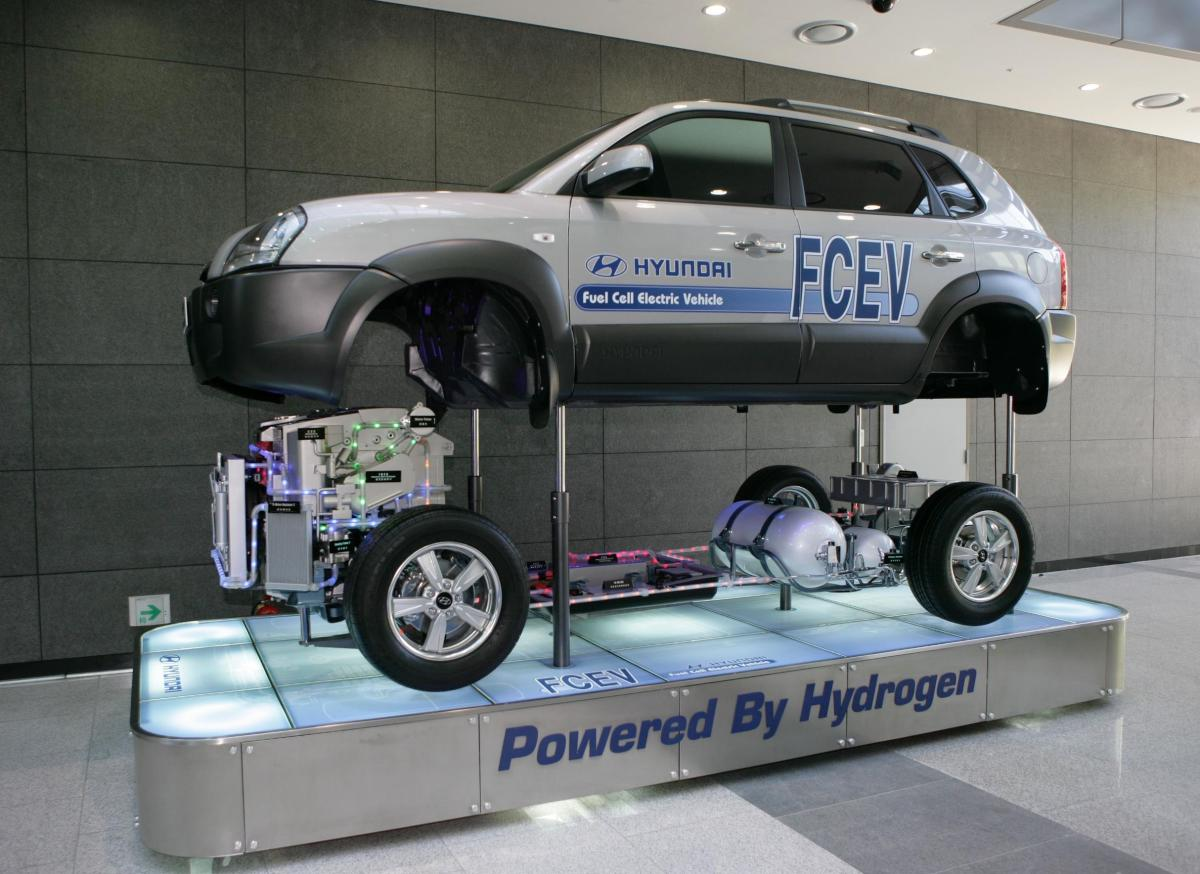 Hyundai to make world\'s first mass production of fuel cell cars | REVE