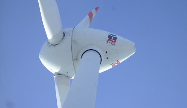 Icelanders Support Wind Turbines