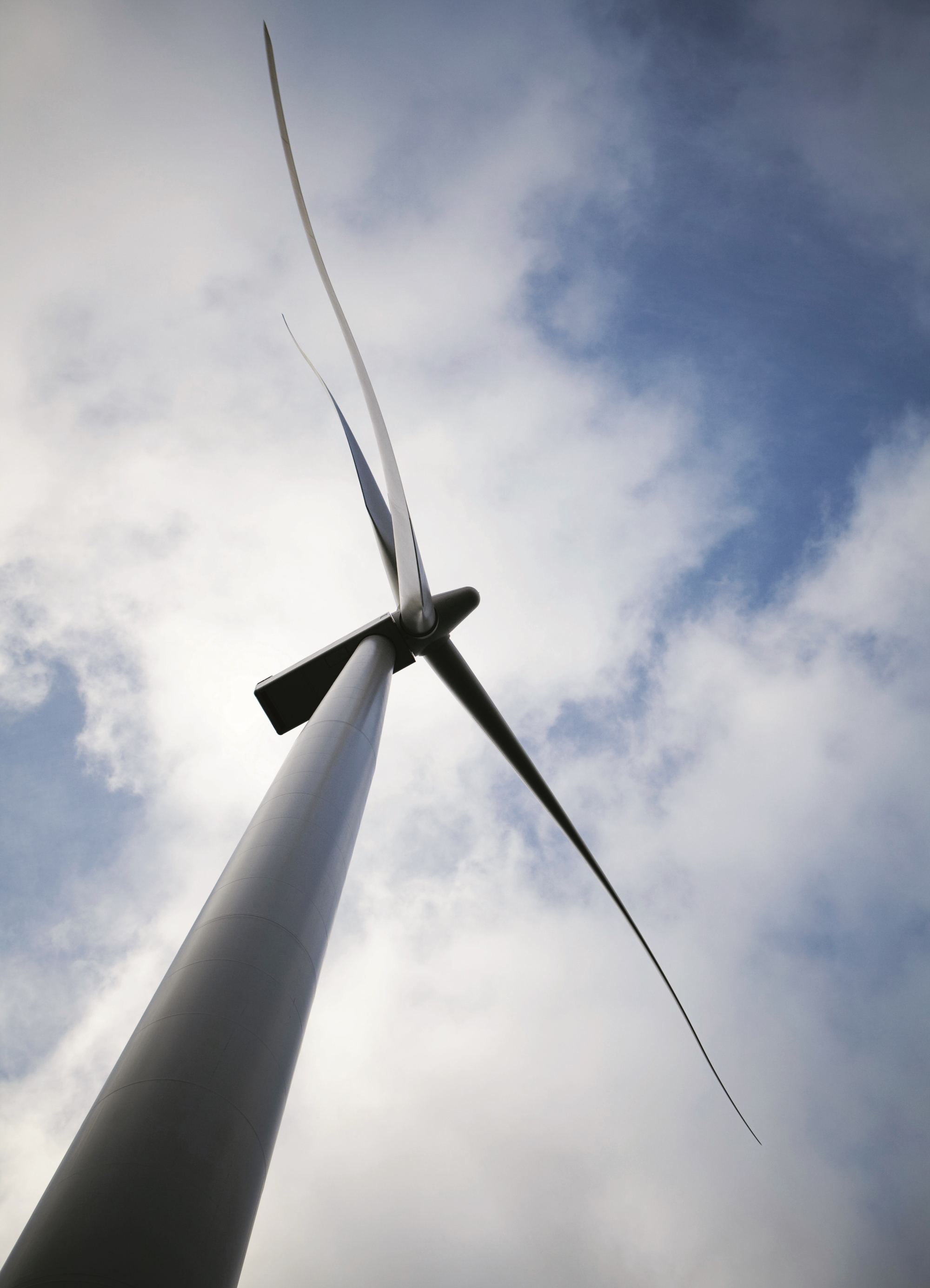 http://www.evwind.es/wp-content/uploads/2013/11/siemens-wind-power-wind-turbine.jpg