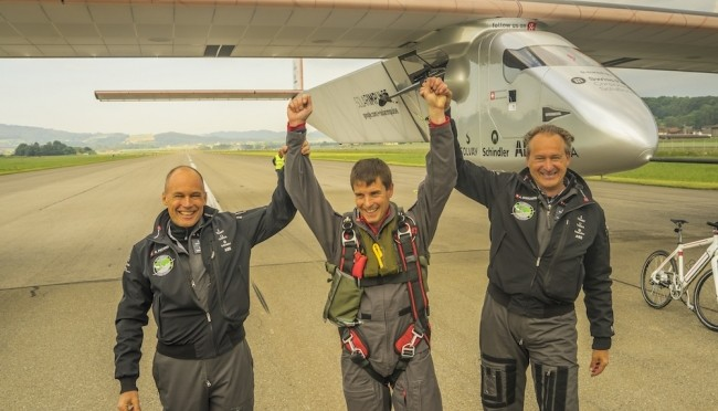Solar Impulse begins Pacific adventure with photovoltaic solar energy