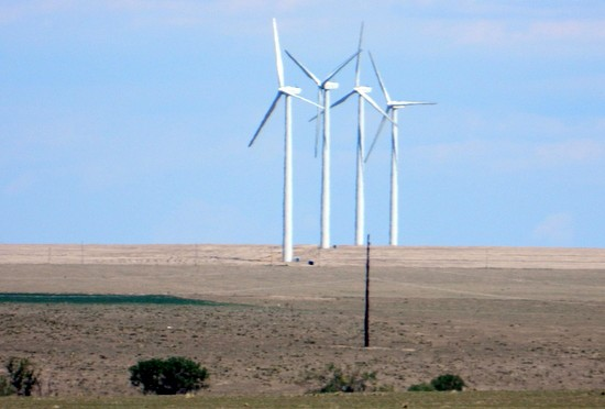 http://www.evwind.es/wp-content/uploads/2015/06/Iberdrola-and-Tri-State-G-T-Sign-Wind-Energy-Agreement-550x372.jpg