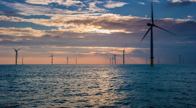Offshore wind power: 630 MW London Array wind farm with 175 wind turbines