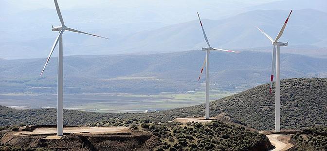 Wind energy in Macedonia: 36.8 MW Bogdanci wind farm with 16 Siemens wind turbines