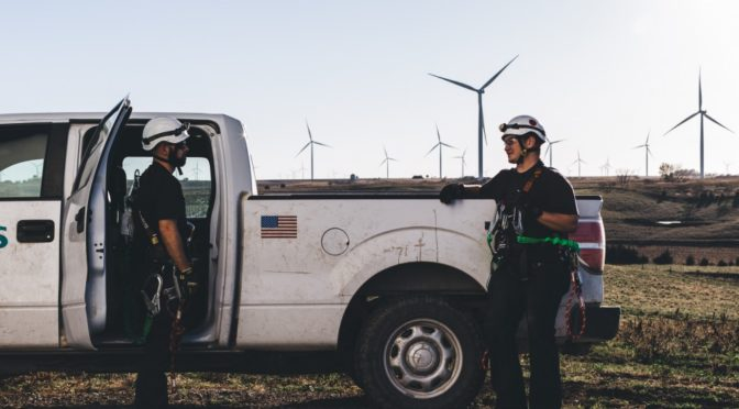 American wind energy jobs crack 100,000 according to DOE
