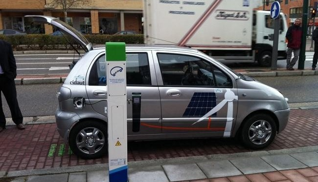 Electric Cars Need Artificial Engine Sounds