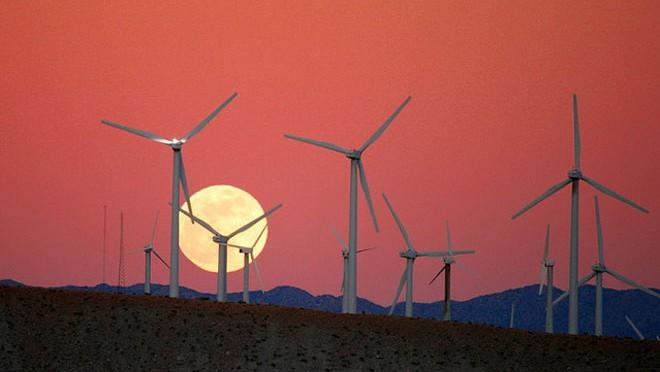 Maine school wind energy project a finalist for Volvo international award
