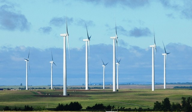 Clark County wind farm granted construction