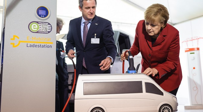 Merkel Sticks to Target of 1 Million Electric Vehicles on Roads by 2020