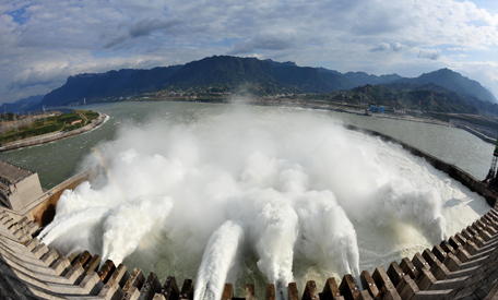 IRENA and IHA Forge Partnership to Advance Sustainable Hydropower