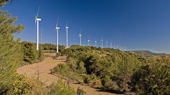 Wind power in Galicia: Greenalia finances five wind farms