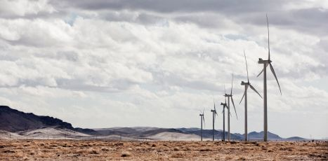 Pattern starts on new wind power plant in New Mexico