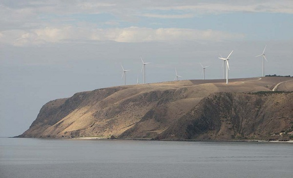 Nuclear proponent stumbles with attacks on wind power