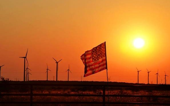 Saluting America's wind power veterans: Teaching the next generation