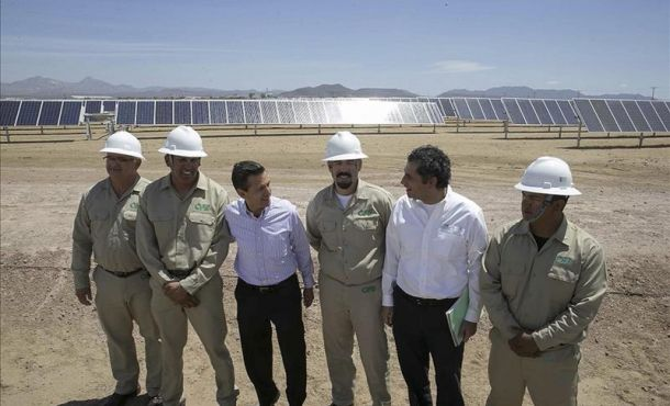 """Latin America's largest solar power plant, a facility with 39 MW of generating capacity, has gone online in the northwestern Mexican state of Baja California Sur. The Aura Solar I photovoltaic power plant was inaugurated by Mexican President Enrique Peña Nieto on Wednesday and will supply electricity to the city of La Paz. The energy industry reforms implemented last December will help lead to """"more energy generation, cleaner energy and, above all, cheaper energy to help make Mexico a more competitive country,"""" Peña Nieto said. The goal is to turn Mexico into """"a country that attracts greater investment for the development and creation of jobs,"""" the president said. Some 25 percent of Mexico's electricity is currently generated using clean energy sources, Peña Nieto said during the ceremony in the Las Olas Altas section of La Paz. The Climate Change Law requires that this number go up to 35 percent by 2024, the president said, adding that he was confident that the goal would be met. The Aura Solar I power plant, which is owned by Corporacion Aura Solar and quadrupled Mexico's installed photovoltaic capacity, will be """"a model of success that will be duplicated in other parts of the country,"""" Peña Nieto said. """"This photovoltaic power plant is not just the first large-scale one of its type in Mexico, but also the biggest in all of Latin America,"""" Corporacion Aura Solar chairman Daniel Servitje Montull said. The $100 million energy project was developed on a 100-hectare (247-acre) site in La Paz by Mexico's Gauss Energia and Martifer Solar, an international engineering company that has experience in building solar power facilities. Aura Solar I, which has an estimated operational life of 30 years, has about 132,000 solar panels and is expected to prevent the emission of 60,000 tons of greenhouse gases annually. The emission of greenhouse gases is believed to contribute to global warming. The Aura Solar I power plant will supply electricity to about 164,000 people, or abou"""