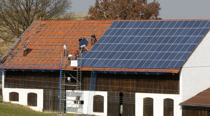 Photovoltaic solar energy now same price as conventional power in Germany, Italy, Spain