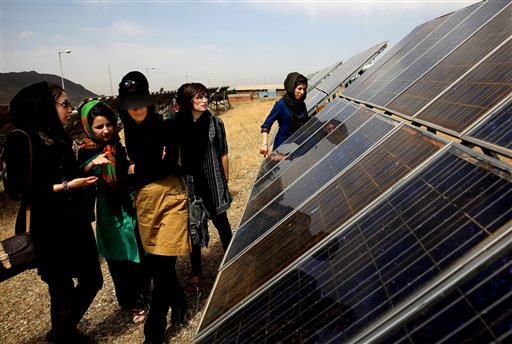 Iran building solar power plant in Persian Gulf