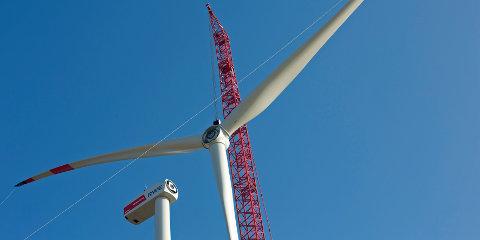 First wind turbine installed at Königshovener Höhe wind farm
