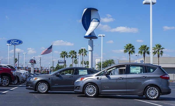 Ford to power selected dealerships with wind power and solar energy