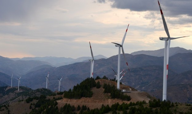 Turkey aims 30 percent wind energy and solar power usage by 2023