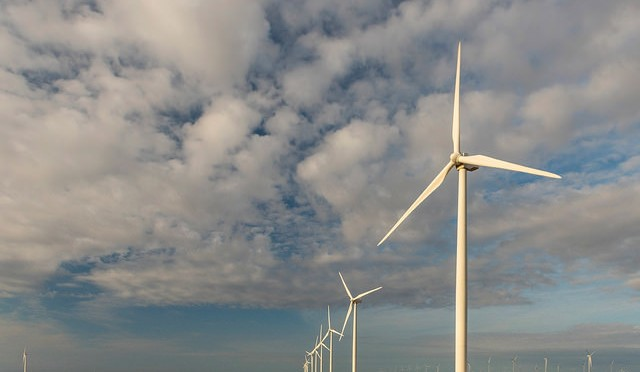 EDF Renewable Energy Signs Agreement to Supply 24 MW of Wind Power from Salt Fork Wind Project