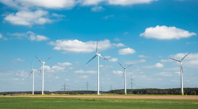 Smarter roll-out of electricity grids makes integrating 35% renewables easier and cheaper