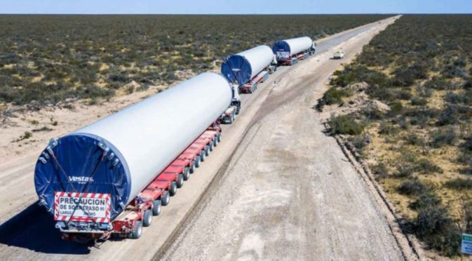 Wind energy in Tornquist: Wind turbines for wind farms move from the port of Bahia