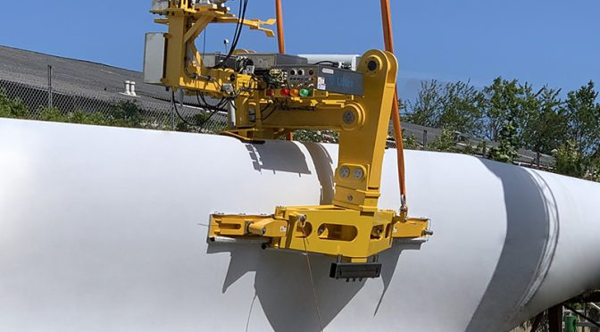 Wind energy technology facilitates craneless blade exchange – Blade Skylark by Liftra