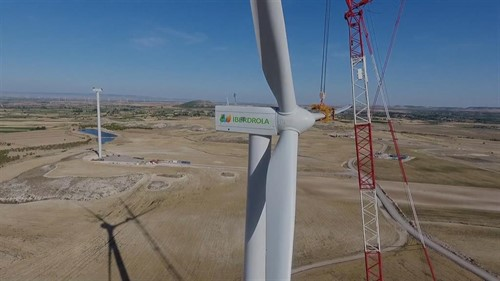 Wind power in Aragon: Iberdrola installs wind turbines in the El Pradillo wind farm