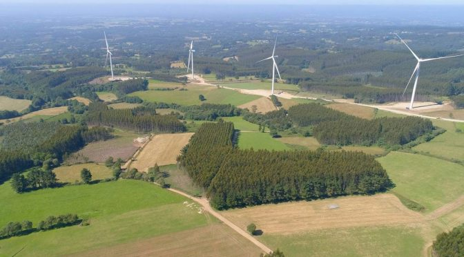 Wind energy in Galicia: Naturgy installs the 54 wind turbines of six wind farms