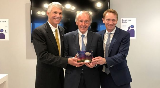 "Sen. Markey receives ""U.S. Wind Champion Award"""