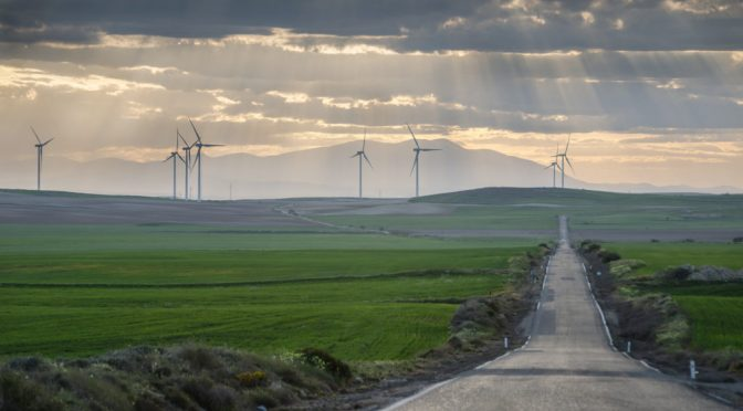 BBVA closes a landmark energy transaction with CIP for the construction of onshore wind farms in Aragon