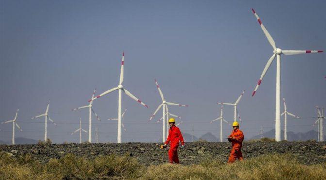 Xinjiang sets record high wind energy, solar power generation