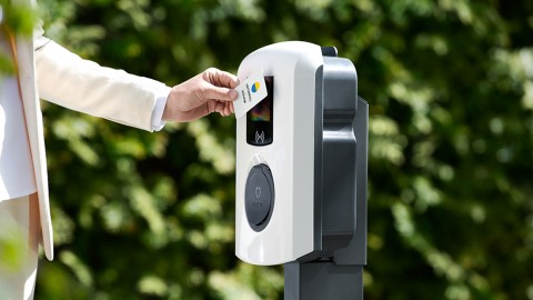 Flexible charging cuts electricity bills and creates grid stability