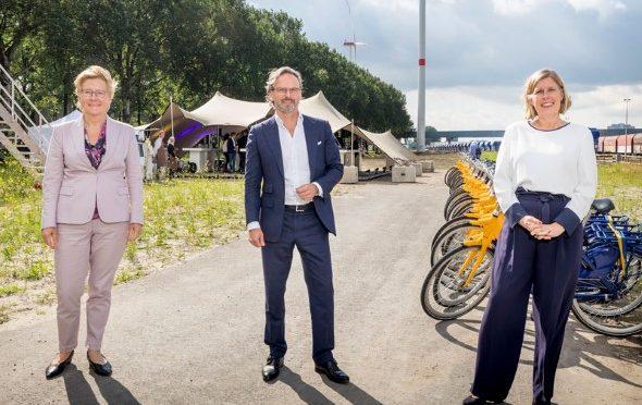Wind farm Nieuwe Hemweg opens