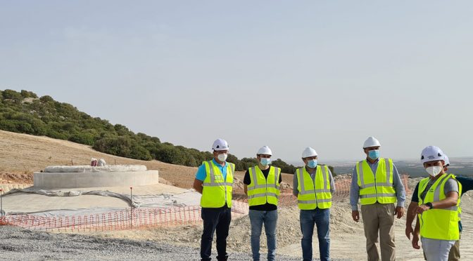 The mayor of Lebrija visits the Loma de los Pinos wind farm, which Capital Energy is building